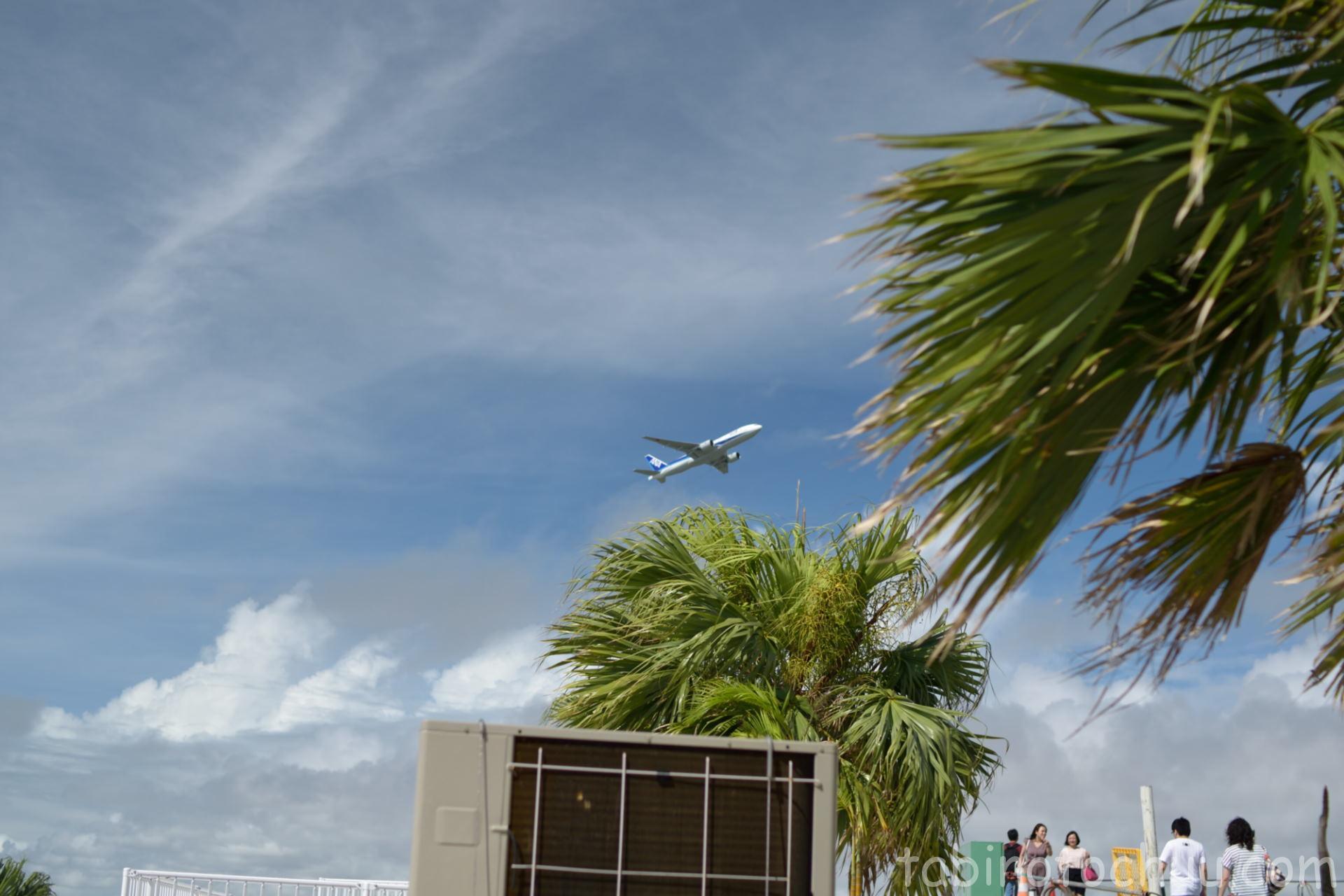 ウミカジテラスから見える飛行機