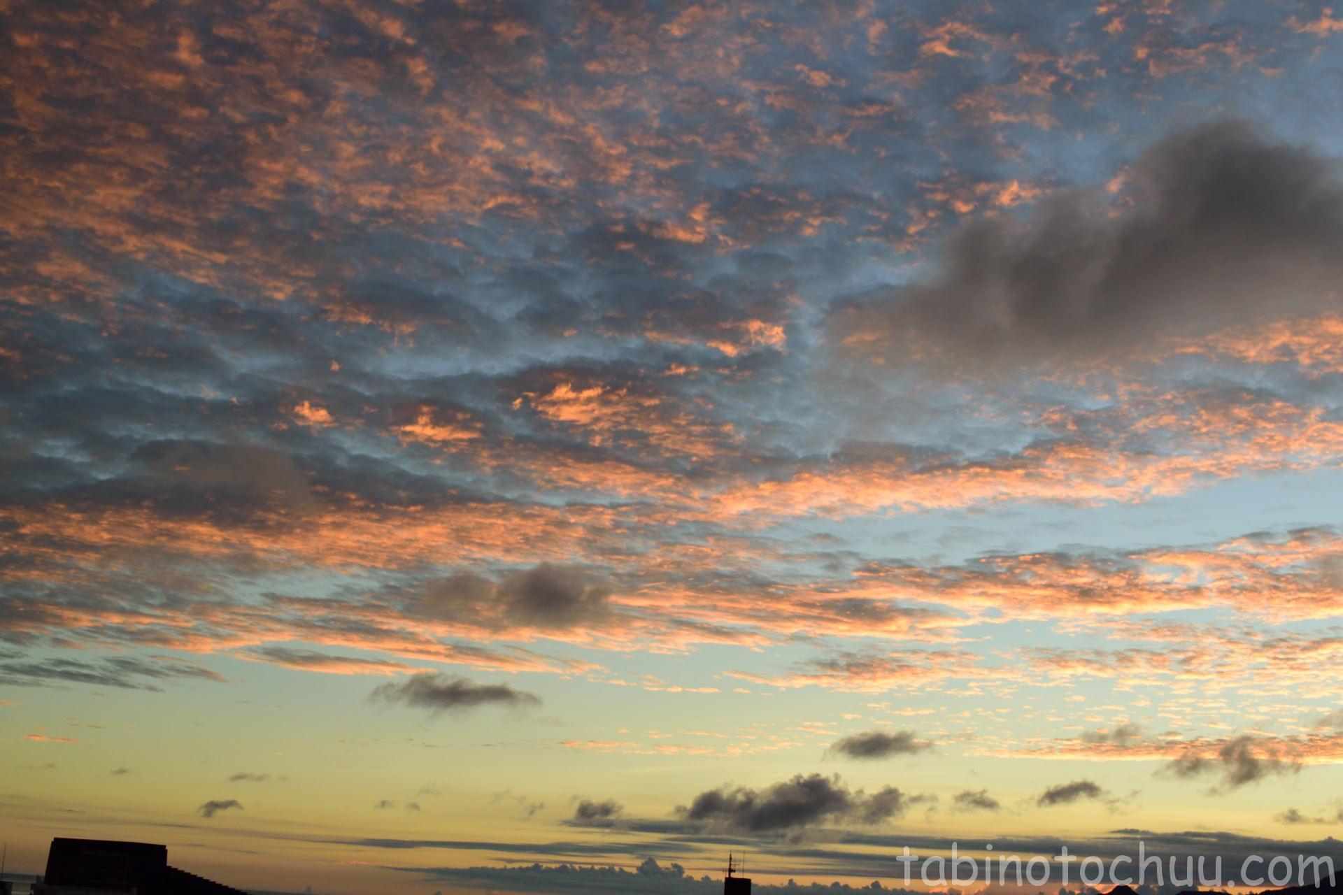バルコニーから夕景 空