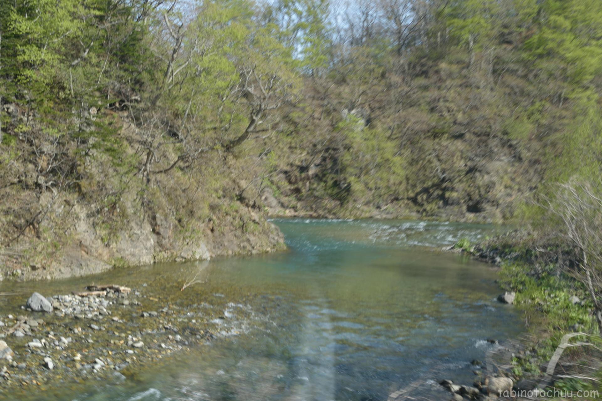 賀老の滝へ